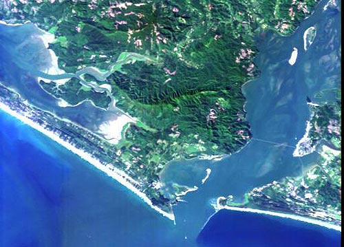 Dizzying Oregon Coast Heights: Seeing the Beaches from Space