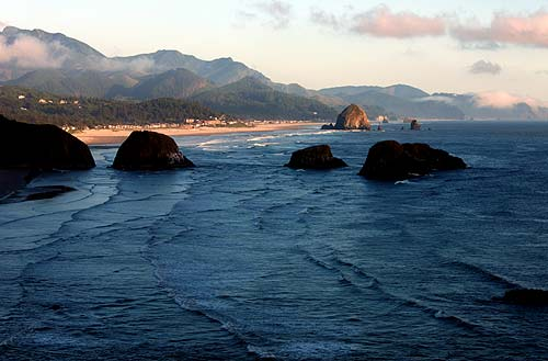 Cannon Beach's Stormy Weather Arts Festival Livens Up N