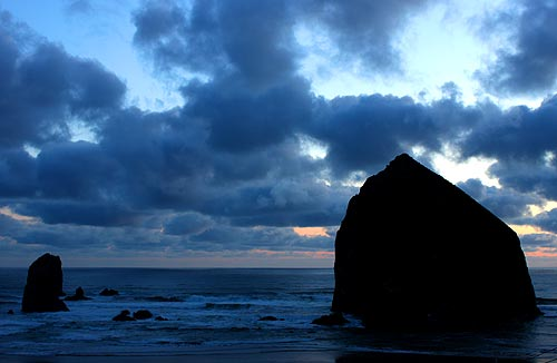 Cannon Beach, Haystack Rock puffy clouds