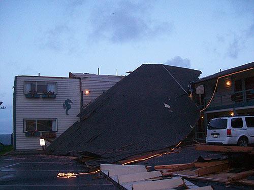 Winds On Oregon Coast Tear Up Lincoln City Motel