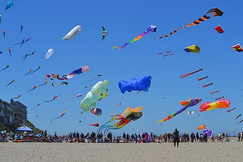Trippy Blue Yonder Psychedelic Kites Dominate Skies At