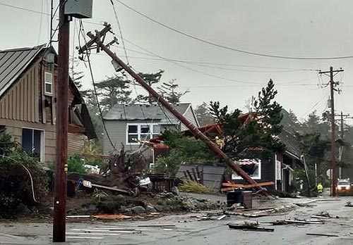 Tornado damage in Manzanita