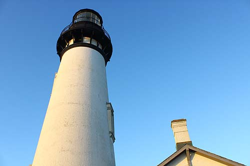 Glimpses of an Oregon Coast Classic: Yaquina Head Lighthouse in Newport