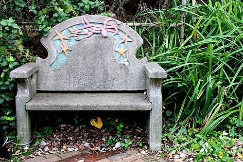 arty chairs of Nye Beach, Newport