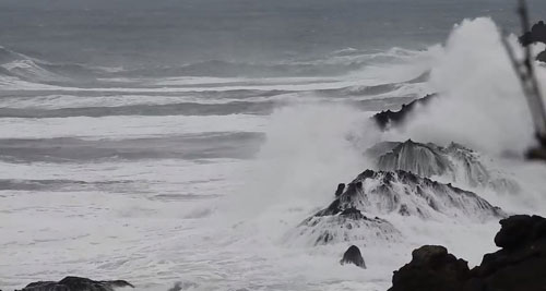 Officials Warn Stay Off All Oregon Coast Beaches Thursday